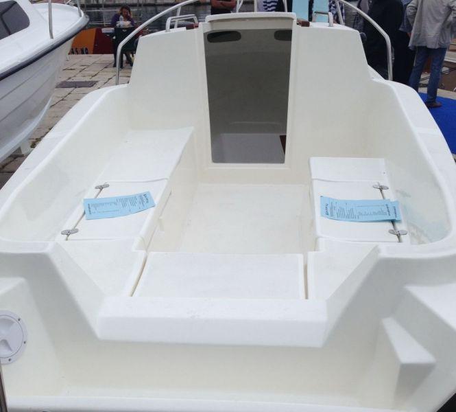 M-sport-500-cabin04